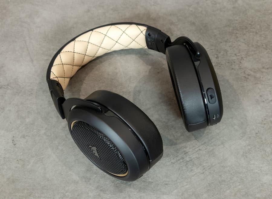 auriculares corsair hs70